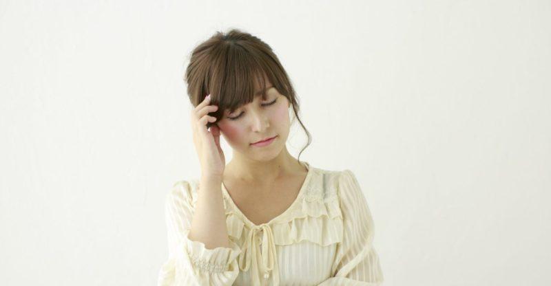 慢性的な肩こりは頭痛の原因になる
