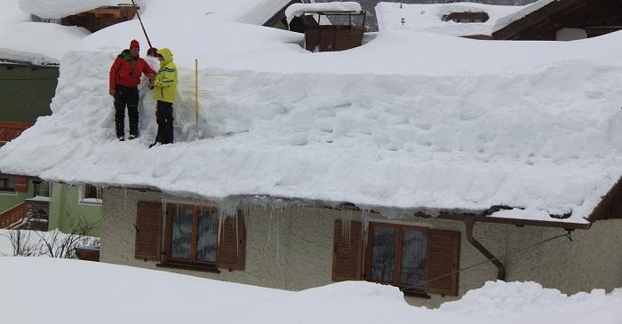 除雪屋根の雪下ろし