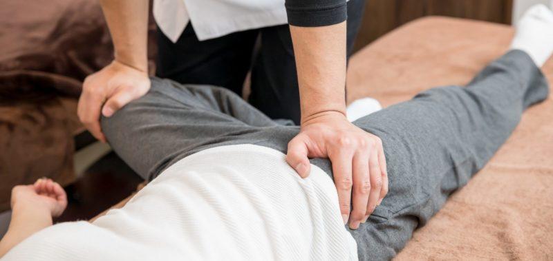 整体院でのぎっくり腰の施術