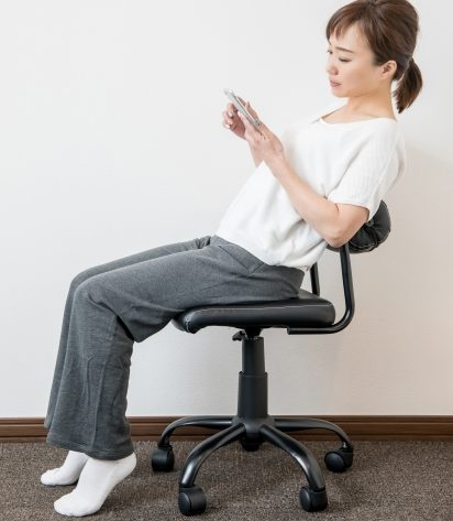 椅子の座方が悪い
