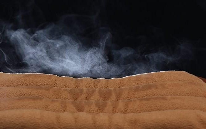 温蒸気を発するホットパッド